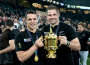 Dan Carter and capitan Richie McCaw with RWC trophy