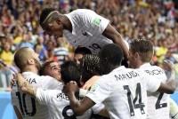 France beats Swiss 5-2 .