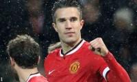 Robin van Persie uncertain with Man Utd's new contract